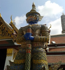 Thai statue in Grand Palace